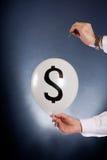 Разрывать финансовый пузырь стоковая фотография rf