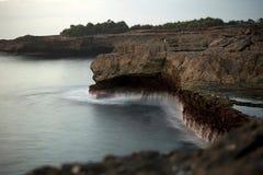 Разрыв ` s дьявола в острове Lembognan стоковое фото rf