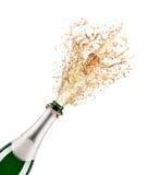 разлейте шампанское по бутылкам Стоковое Изображение