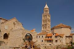 Разделение - дворец императора Diocletian - башня с часами стоковое изображение rf