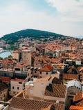 Разделение, старый городок, Хорватия Взгляд от башни башн-колокола к Стоковые Фото