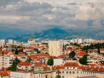 Разделение, старый городок, Хорватия Взгляд от башни башн-колокола к Стоковое Изображение