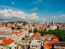 Разделение, старый городок, Хорватия Взгляд от башни башн-колокола к Стоковое Фото