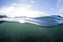 Разделенная вода взгляда стоковая фотография