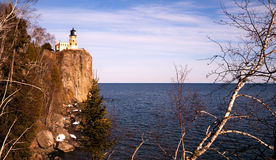 Разделенный маяк Lake Superior Минесота Соединенные Штаты утеса стоковая фотография