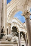 Разделенный собор, Хорватия Внутри старого Diocletian& x27; дворец s Стоковое Фото