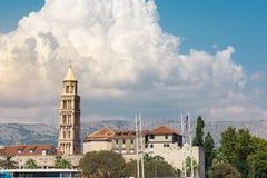 Разделенный Mou башни города панорамы ландшафта дневного времени Хорватии европейский Стоковые Фотографии RF