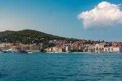 Разделенный Mou башни города панорамы ландшафта дневного времени Хорватии европейский Стоковая Фотография