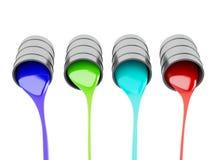 Разлитые чонсервные банкы краски на белой предпосылке Стоковые Изображения RF