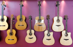 Различная аккуратно аранжированная гитара Стоковое Изображение RF