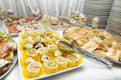 Различная еда на таблице Стоковое Изображение RF