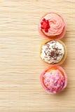 Различные булочки с сливк Стоковое Фото