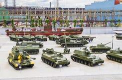 Различные военные транспортные средства в открытой площадке музея Стоковое Изображение RF