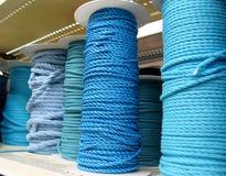 Различные голубые веревочки на катушках Стоковая Фотография