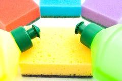 Различные губки и 2 бутылки тензида Стоковое Изображение RF