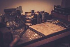 Различные инструменты кузнцев стоковое фото