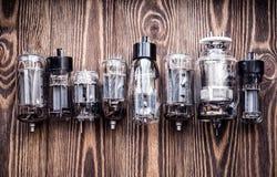 Различные поколения электронных трубок вакуума крупного плана eyedroppers высокий разрешения взгляд очень Стоковая Фотография RF