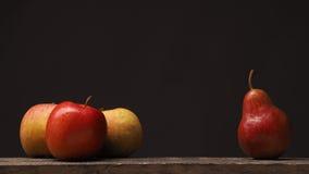 Различные плодоовощи на деревянном столе стоковое фото rf