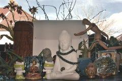 Различные религиозные и культурные скульптуры от различных вероисповеданий Стоковые Изображения RF