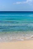 Различные тоны син в теплом пляже с белым песком Стоковое фото RF
