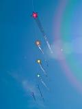 Различный цветастый летать змеев Стоковые Изображения RF