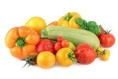 Различный цукини болгарского перца томата свежих овощей изолированного на белизне Стоковое фото RF