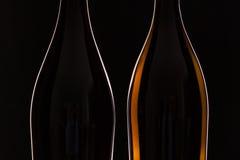 2 различных бутылки вина Стоковые Изображения
