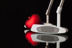 2 различных короткой клюшки гольфа и красного сердце Стоковое Изображение RF