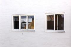 2 различных окна Стоковая Фотография