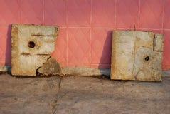 2 различных плиты Стоковая Фотография