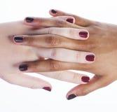 2 различных руки деланных маникюр nathion на белизне Стоковое фото RF