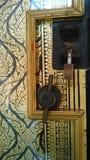2 различных шкафчика на одной уникально двери виска Стоковые Изображения RF