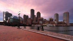 Район Бостона финансовый на заходе солнца Стоковые Фото