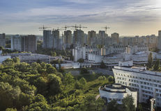 Район Киев Golosievsky, благоустраивает панорамный взгляд города Стоковая Фотография RF