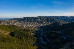 Район Новой Зеландии типичный в Веллингтоне Новой Зеландии, Karori стоковое фото