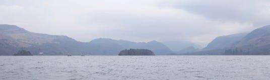 Район озера вод Derwent английский в тумане стоковое фото rf