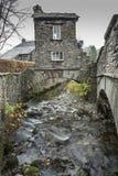 Район озера Ambleside Ullswater дома моста английский Стоковые Фотографии RF