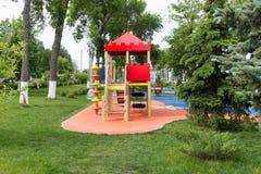 Район спортивной площадки детей в парке города Стоковая Фотография RF
