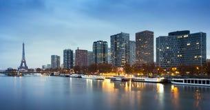 Район Эйфелевой башни, Beaugrenelle и Река Сена в Париже, Fr Стоковое Фото