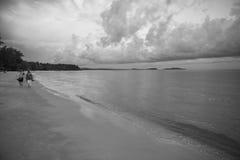 Рай и белый пляж в провинции kong koh в Королевстве Камбоджи около границы Таиланда Стоковые Изображения RF