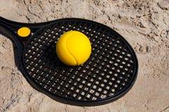 Ракетка тенниса пляжа Стоковое фото RF