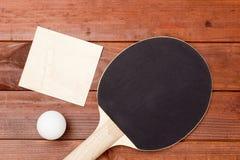 Ракетки настольного тенниса с черным покрытием стоковые фотографии rf