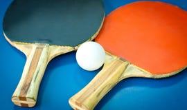 ракетки пингпонга шарика Стоковые Изображения