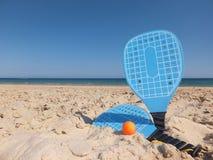 Ракетки пляжа стоковые фотографии rf