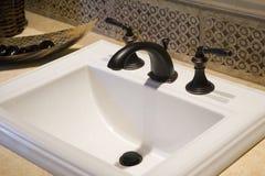 раковина ванной комнаты домашняя роскошная стоковые изображения rf