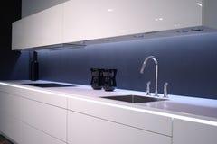раковина кухни самомоднейшая Стоковое фото RF