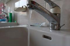 Раковина с водой Стоковое Изображение