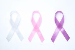 Рак молочной железы ленты градиентов розовый на белой предпосылке Стоковые Изображения RF