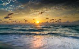 драматическое небо океана Стоковое Фото