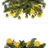 Рамка границы рождества ветви ели на белой изолированной предпосылке Стоковые Изображения RF